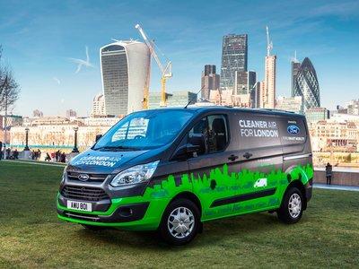 Ford probará la Ford Transit híbrida enchufable en un programa piloto en Londres
