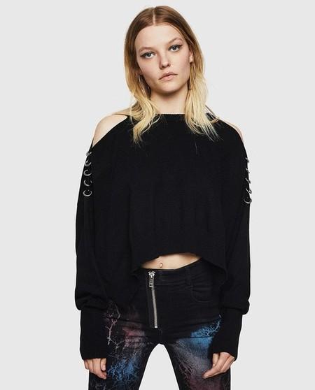 Jersey de mujer en negro con hombros descubiertos