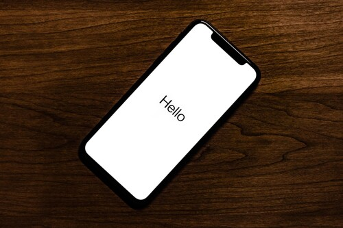 Qué puedes hacer si el iPhone no enciende y se queda congelado en el logo de la manzana
