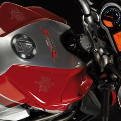 Foto 5 de 8 de la galería mv-agusta-brutale-1090rr-y-990rr-modelos-2010 en Motorpasion Moto
