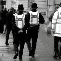 ¿Están acabando los vídeos virales con la eficacia policial? El director del FBI cree que sí
