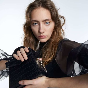 La bandolera es el nuevo clutch: nueve bolsos cruzados de fiesta para no ocuparte las manos en Fin de Año