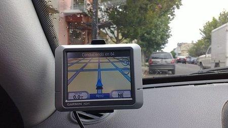 Efectos secundarios de depender demasiado del GPS: gente que cruza puentes inexistentes o que acaba en Carpi en vez de Capri