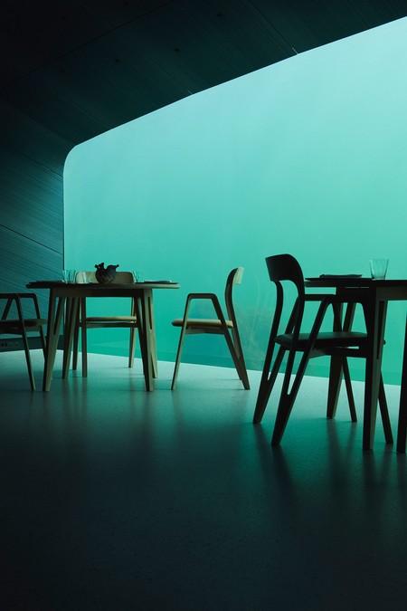 Abre un restaurante sumergido con vistas al Atlántico en Noruega y las fotos son impresionantes