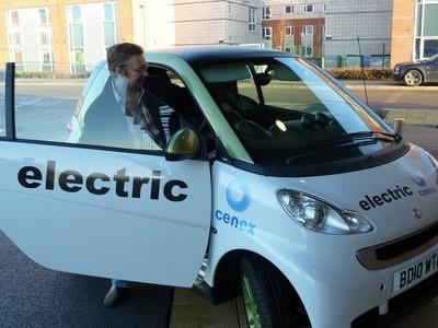 La consultora Cenex rediseña la fabricación de baterías para que pesen y cuesten menos