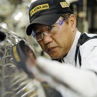 El hombre que susurraba a los Lexus: el arte japonés de detectar las imperfecciones en los coches