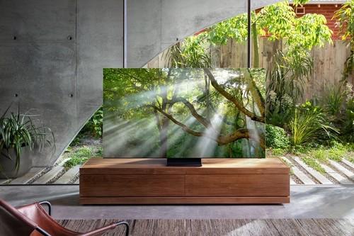"""Samsung nos enseña su impresionante televisión QLED 8K """"sin marcos"""": 99% del frontal es pantalla y mide 15 mm de grosor"""