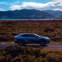 El Subaru Solterra, en acción por primera vez en vídeo: cuenta atrás para el primer eléctrico de la marca