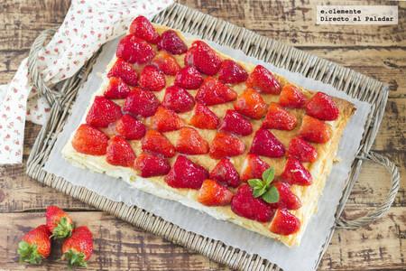 Tarta rápida de fresas con nata y queso crema, una receta exprés con la que siempre quedar bien