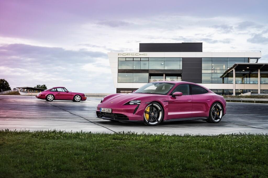 Los Porsche Taycan se actualizan con mayor autonomía, conectividad con Android Auto y colores de los noventa