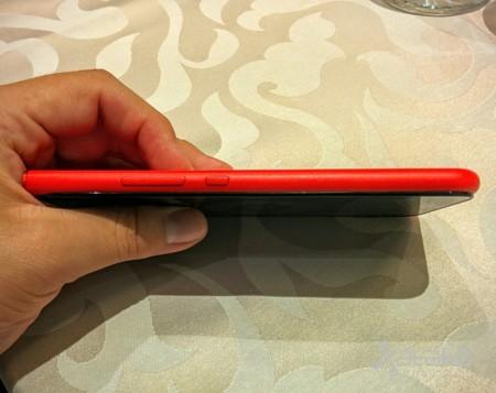 Obi Worlphone MV1 con pantalla flotante