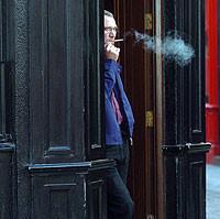 Los bares sin fumar crecen el negocio