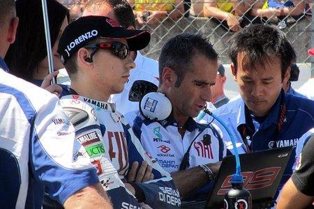 Jorge Lorenzo concentrado en la parrilla de salida