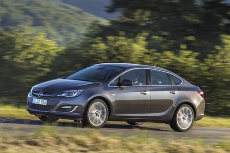 Opel Astra 2012, novedad en el Salón de Moscú
