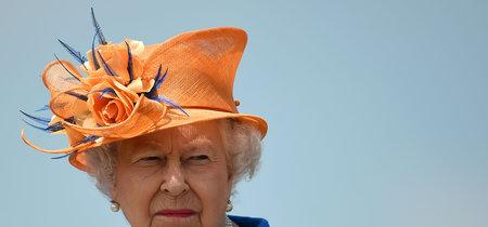 La Reina de Inglaterra confiesa que lleva usando el mismo esmalte desde 1989, y te sorprenderá saberlo