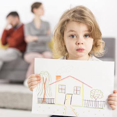 Cuando la custodia compartida es inviable debido a la distancia entre los domicilios de los padres
