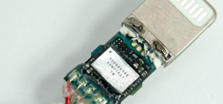 Sí, los EarPods Lightning y el adaptador a 3,5 mm del iPhone 7 esconden su propio DAC