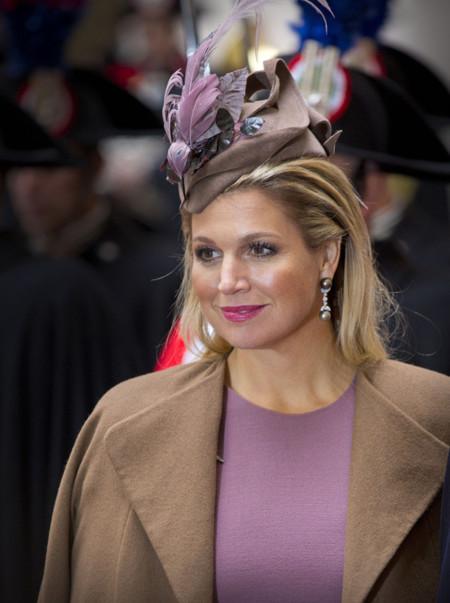 El look bicolor de Máxima de Holanda en Italia