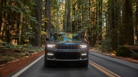 El Jeep Grand Cherokee llegará a España en la segunda mitad de 2021 como híbrido enchufable, pero solo con 5 plazas