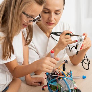 Las niñas pueden para asumir cualquier rol en el juego, pero al parecer la sociedad no está preparada para apoyarles