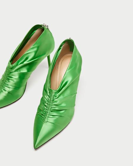Zapatos verdes de Zara