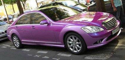 Mercedes Clase S... ¡Oh Dios mío, es rosa!