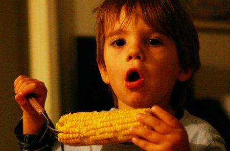 Para que los niños se coman la verdura: recompensas no alimentarias