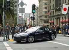 Algunos en la industria del petróleo ya reconocen a Tesla como una amenaza, ¿será por el nuevo vídeo de su fábrica?