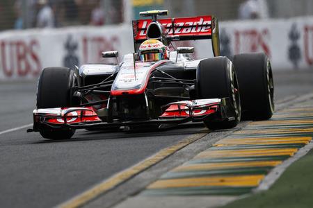 Lewis Hamilton logra la primera pole del año. Algo ha cambiado en la Fórmula 1