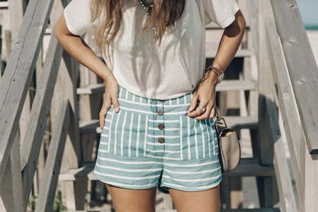 Flying Point Beach The Hamptons Striped Shorts Saylor Ny Espadrilles Beach Look Chloe Girls Outfit Revolve In The Hamptons 2 790x527