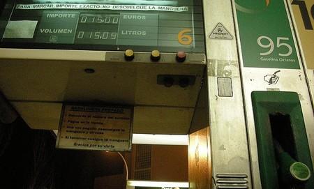 Las gasolineras, uno de los pocos negocios que se pueden permitir incrementar sus márgenes