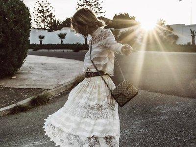 Se busca el vestido blanco perfecto de la temporada