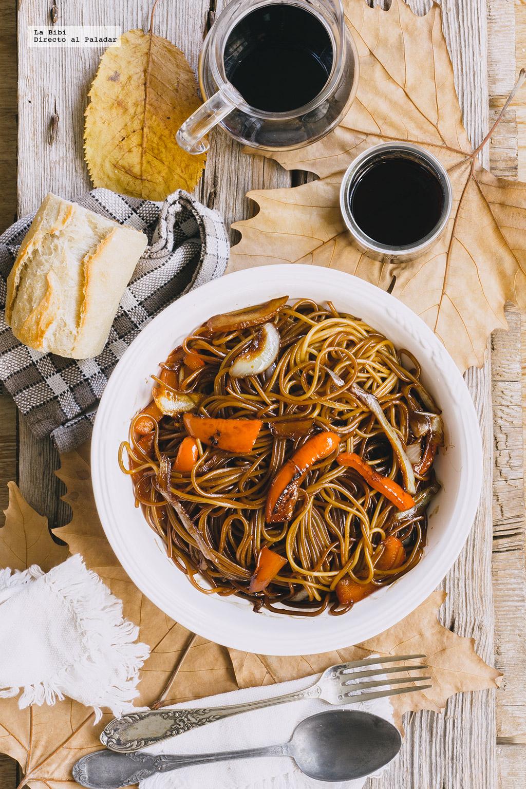 Espaguetis caramelizados con bals mico receta f cil y for Espaguetis para dos