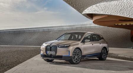 BMW iX: el coche eléctrico que estrenará la nueva plataforma de BMW llegará a finales de 2021 con hasta 500 CV y más de 600 km de autonomía