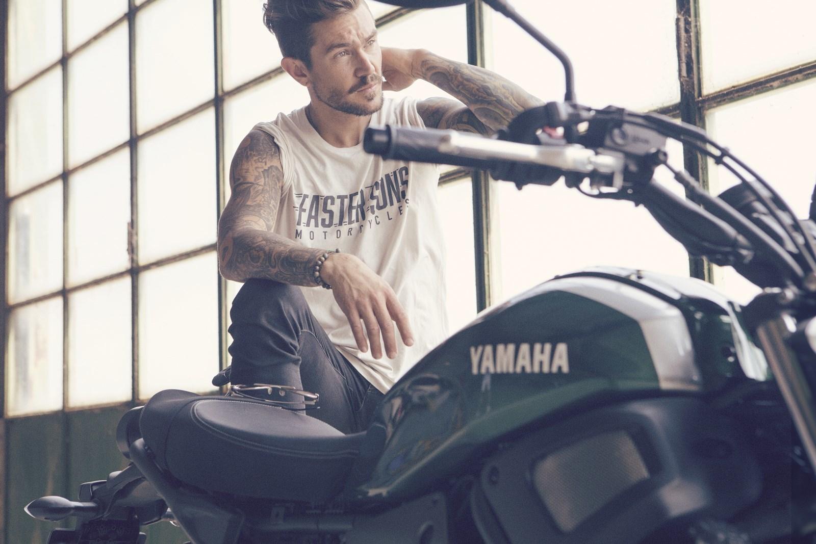 Foto de Yamaha XSR700 en acción y detalles (16/41)