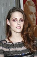 La sombra de ojos roja de Kristen Stewart a examen, ¿sí o no?