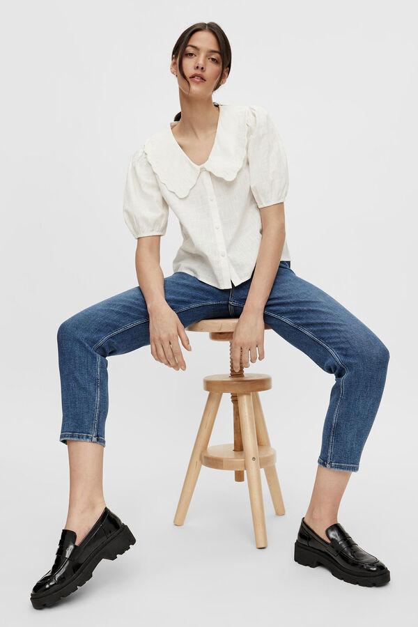 Camisa de cuello bobo con mangas abullonadas