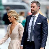 Todavía no se ha casado, pero Jennifer Lawrence ya se viste de novia en su fiesta de compromiso