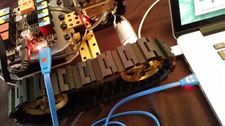 Subimos nuestro programa a la placa Arduino Leonardo de Makebloc