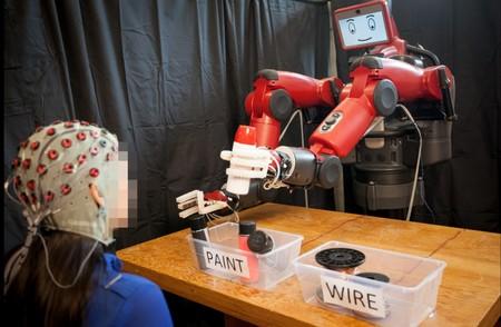 En el MIT han logrado que puedas corregir los errores de los robots con la mente