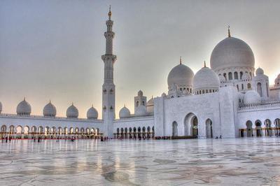 Visita entre vuelos a la Gran Mezquita de Abu Dabi