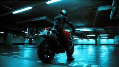 Ducati Monster, vídeo promocional por un propietario