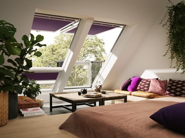 Cabrio la ventana de tejado que se convierte en balc n en for Fenetre qui se transforme en balcon