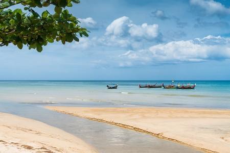 Pena de muerte por hacerte un selfie en la playa tailandesa de Mai Khao en la isla de Phuket