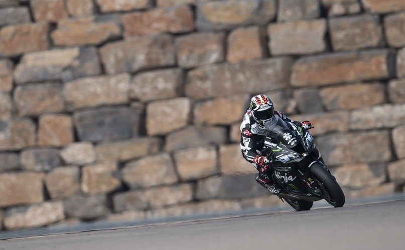 Jonathan Rea domina los primeros test de WSBK y Chaz Davies se estrena sobre la Ducati Panigale V4
