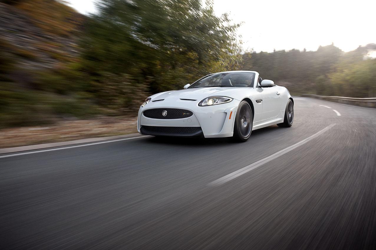 Foto de Jaguar XKR-S Convertible (3/12)