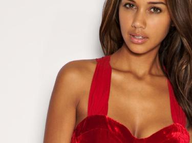 El rojo, presente en dos prendas estrella de esta temporada