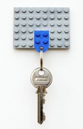 Hazlo tú mismo: un colgador de llaves con piezas Lego