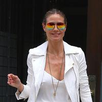 Todas las claves para vestir como Heidi Klum, con mucho estilo y a golpe de básicos