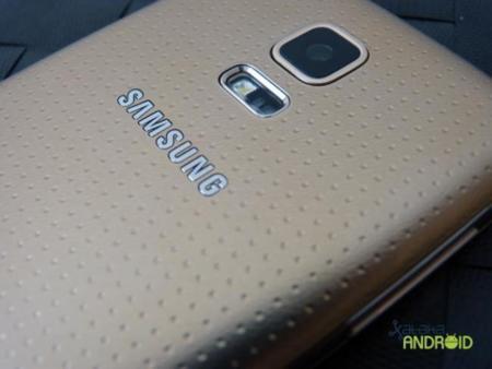 Samsung podría haber empezado a fabricar ya su Galaxy S6, con un TouchWiz más ligero